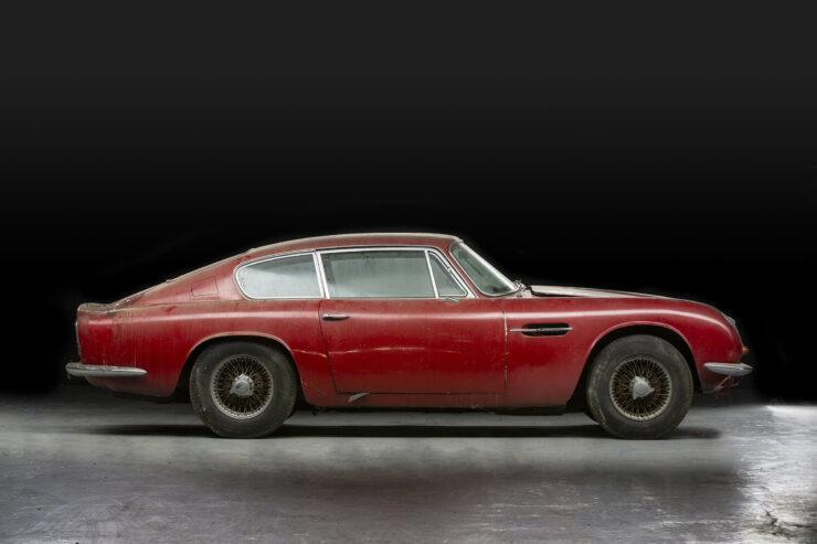 Aston Martin DB6 Vantage 4