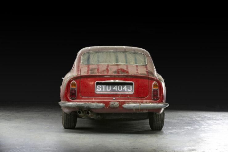 Aston Martin DB6 Vantage 8