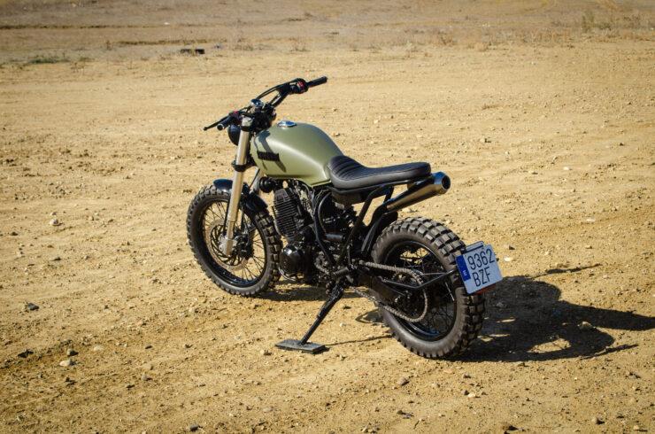 Custom Yamaha XT600 1