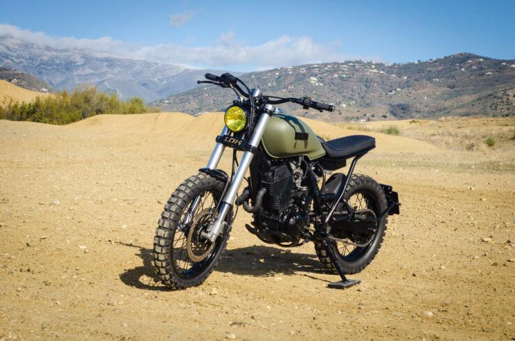 Custom Yamaha XT600 3
