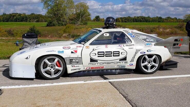 Porsche 928 Racing Car
