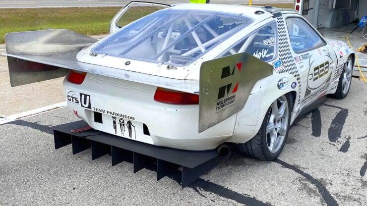 Porsche 928 Wing
