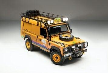 Camel Trophy Land Rover Defender 1