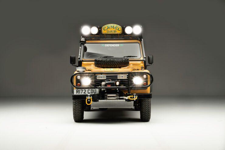 Camel Trophy Land Rover Defender 3