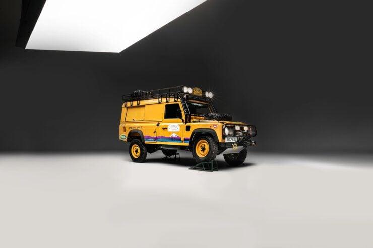Camel Trophy Land Rover Defender 8