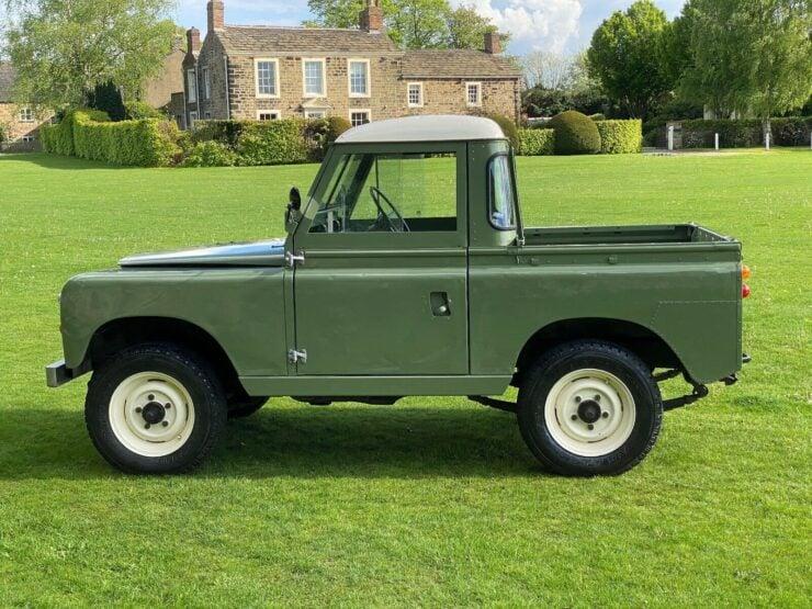 Land Rover Series 2A 1