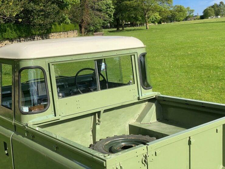 Land Rover Series 2A 3