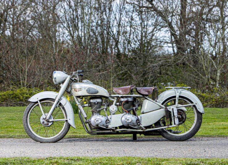Motoconfort Twin-Engined Motorcycle 3
