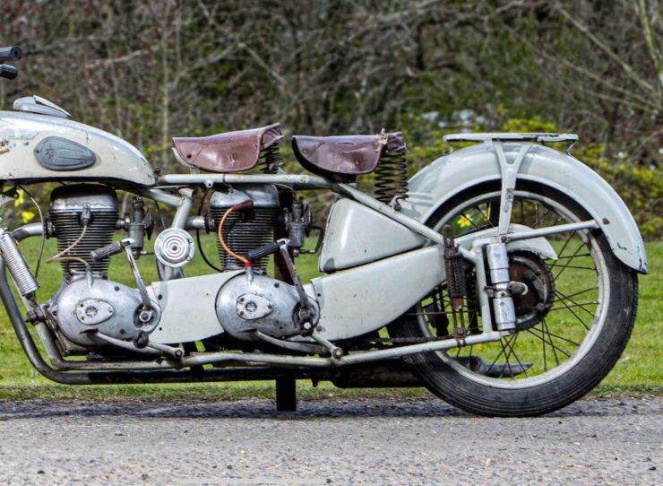Motoconfort Twin-Engined Motorcycle 5