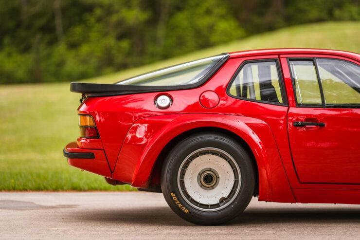 Porsche 924 Carrera GTR 16