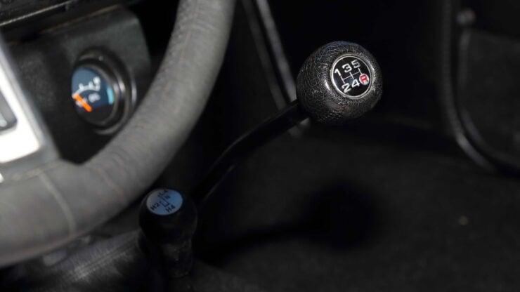 Toyota Hilux DLX Pickup Truck 10