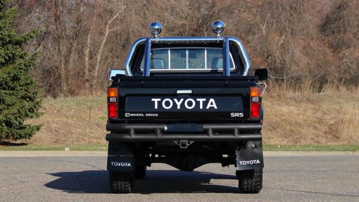 Toyota Hilux DLX Pickup Truck 15
