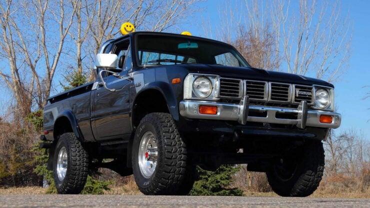 Toyota Hilux DLX Pickup Truck 20