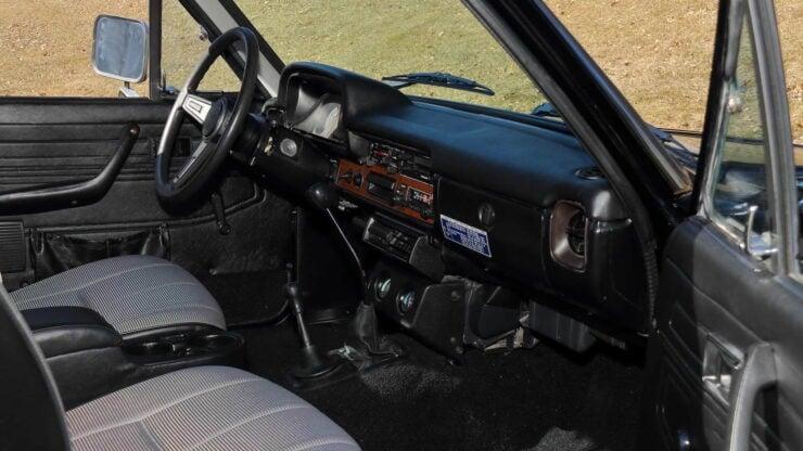 Toyota Hilux DLX Pickup Truck 4
