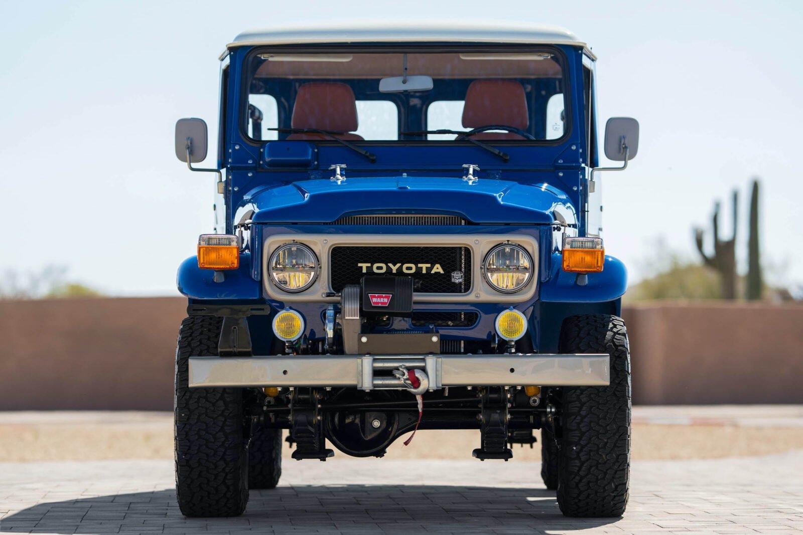 Toyota Land Cruiser FJ43 5