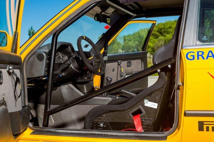 BMW 325IX 8
