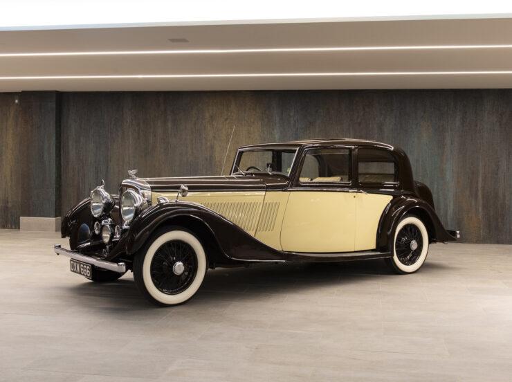 Bentley 4¼ Liter Pillarless Saloon 1