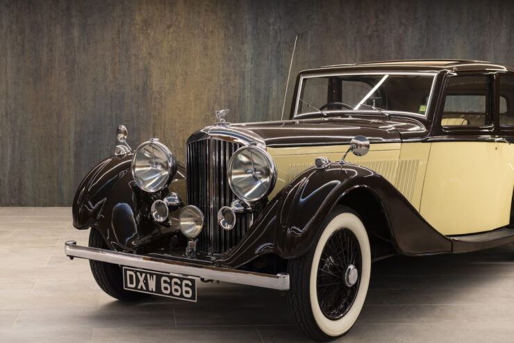 Bentley 4¼ Liter Pillarless Saloon 10