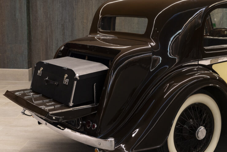 Bentley 4¼ Liter Pillarless Saloon 12