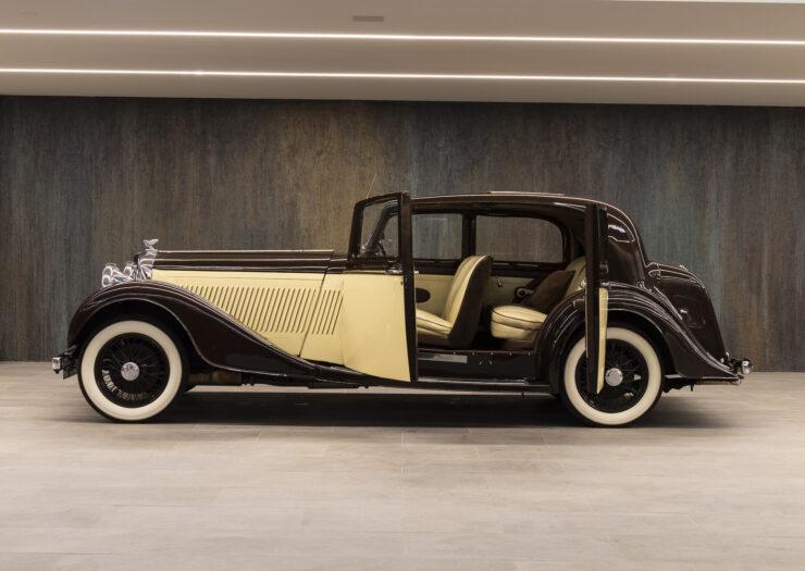 Bentley 4¼ Liter Pillarless Saloon 13