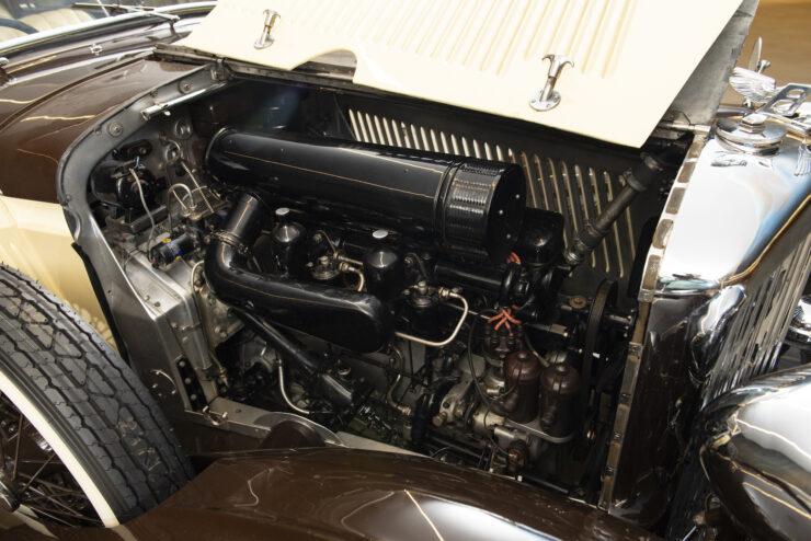 Bentley 4¼ Liter Pillarless Saloon 3