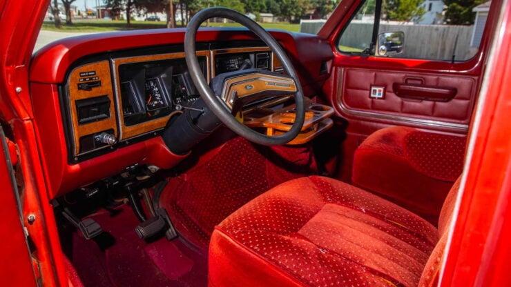Custom Ford Econoline Van 3
