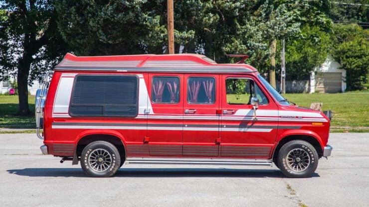 Custom Ford Econoline Van7