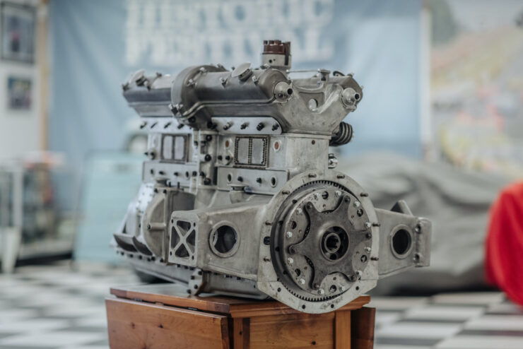 Alfa Romeo 8C Engine 1