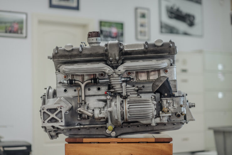 Alfa Romeo 8C Engine 2
