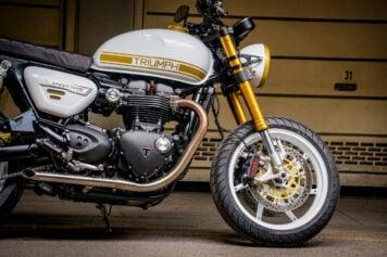 Custom Triumph Speed Twin 1