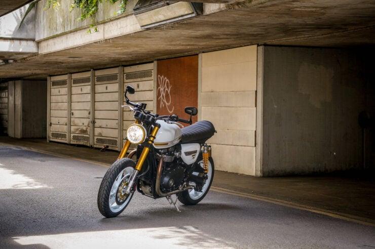 Custom Triumph Speed Twin 5