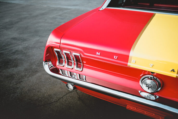 Ford Mustang 390 GT 2