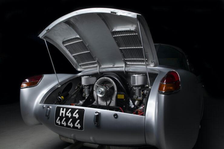 Glöckler-Porsche 356 Carrera 1500 Coupe 12