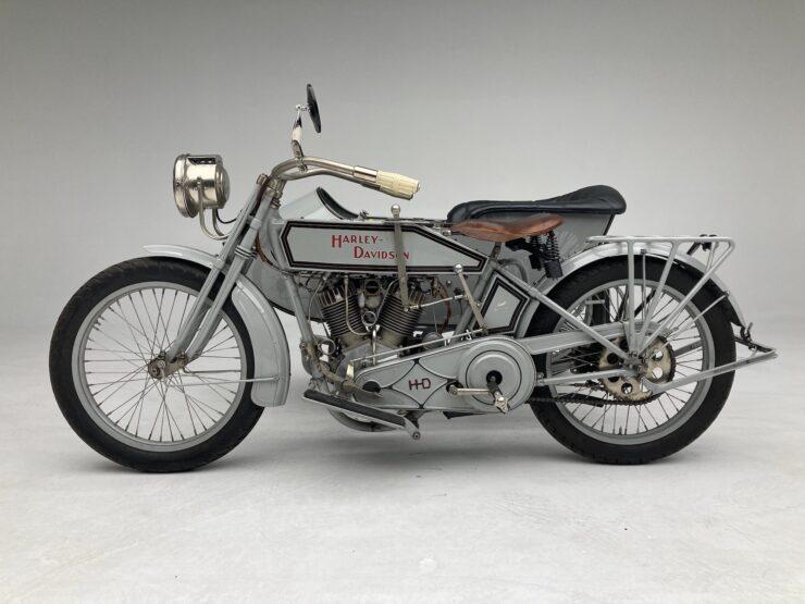 Harley-Davidson 11-F Effie and Avie Hotchkiss