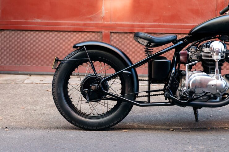 Kawasaki W650 Bobber 12