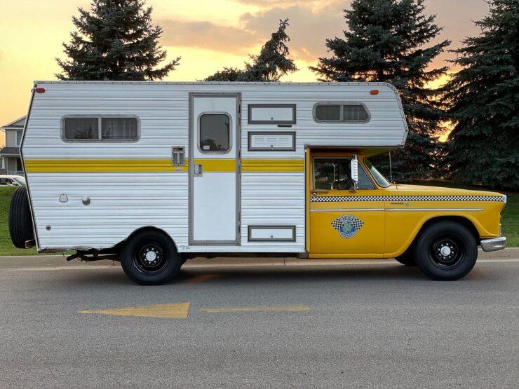 Champer Checker Cab Camper 20
