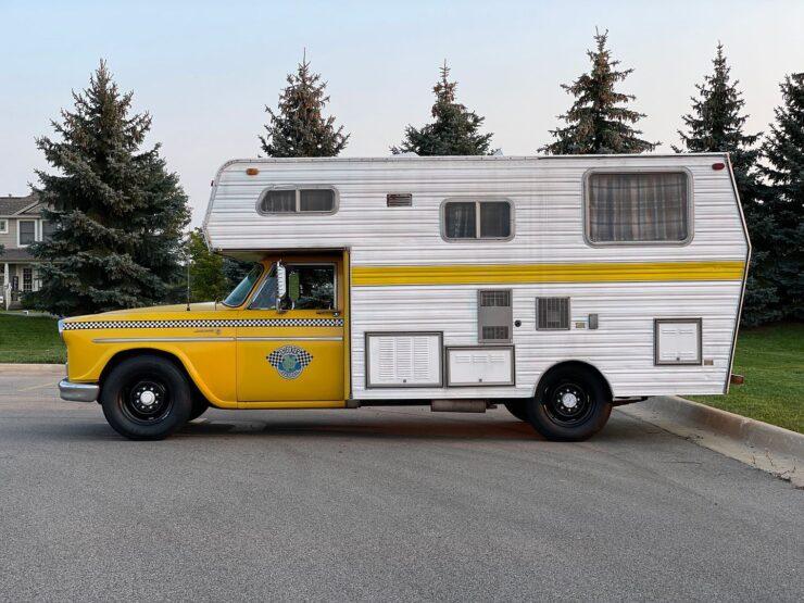 Champer Checker Cab Camper 23