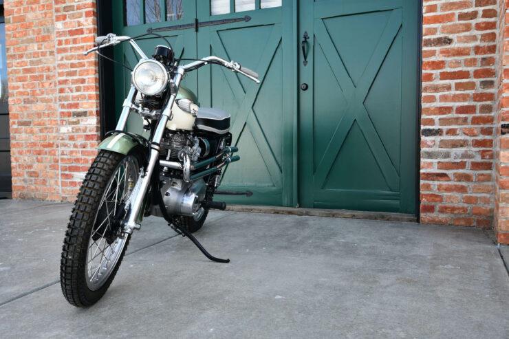 Triumph Bonneville Bud Ekins Steve McQueen 3