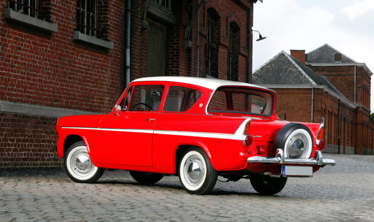 Ford Anglia Sportsman 4