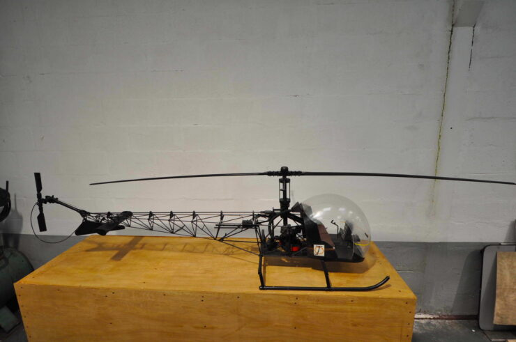 James Bond Bell 47G Model Helicopter You Only Live Twice 6