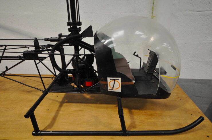 James Bond Bell 47G Model Helicopter You Only Live Twice 7
