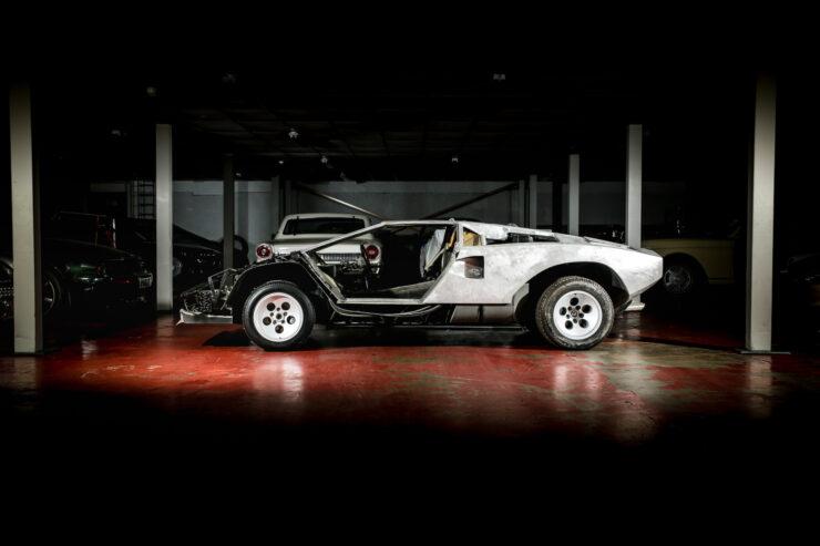 Lamborghini Countach 5000S Restoration 1