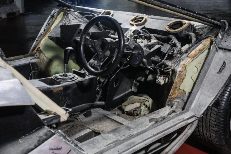 Lamborghini Countach 5000S Restoration 10
