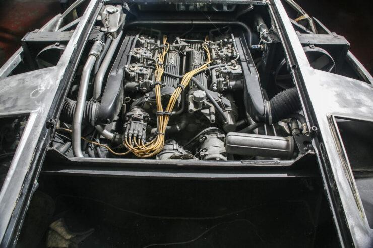Lamborghini Countach 5000S Restoration 12