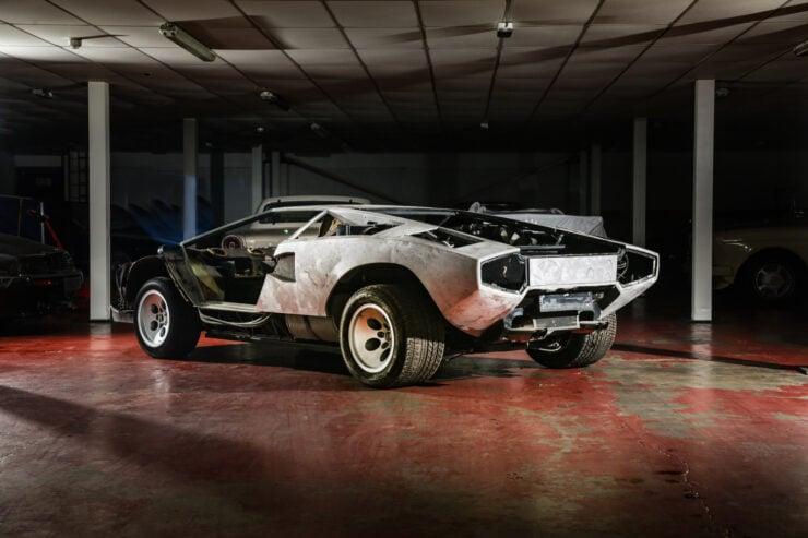 Lamborghini Countach 5000S Restoration 3