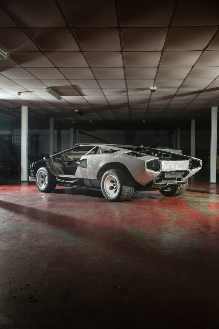 Lamborghini Countach 5000S Restoration 4