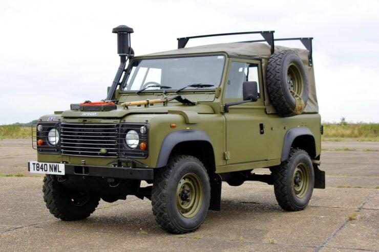 Land Rover Winter Water Wolf 18