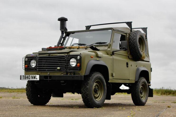 Land Rover Winter Water Wolf 9
