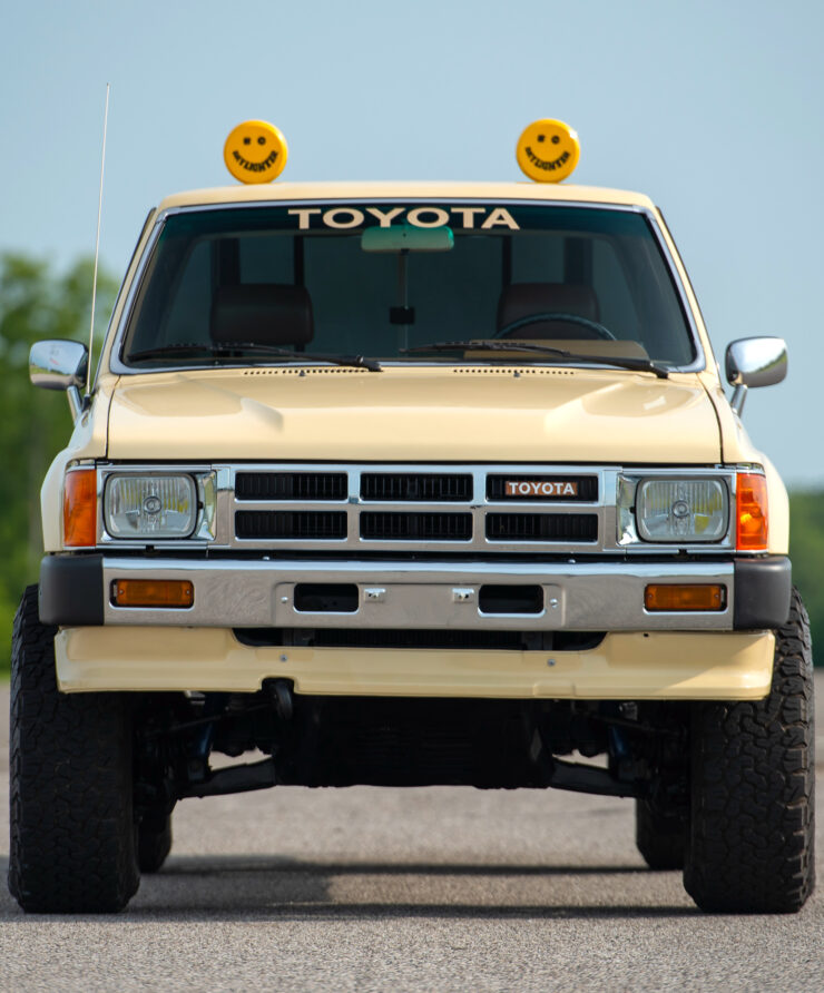 Toyota 4×4 Xtracab Pickup Front