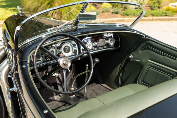 Auburn 851 Supercharged Boattail Speedster 10